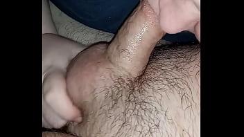 Красотка устала от грязной жажды секса, поэтому вставила в киску страпон