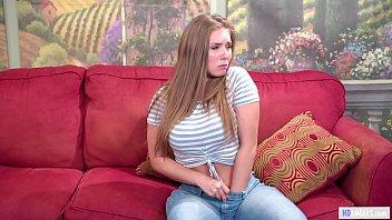 Нежное соло стройненькой шлюхи брюнетки с миленькой буфером на беленьком диване