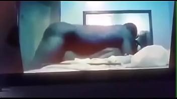 Озорник томно жарит в задницу милфу с шикарными дойками
